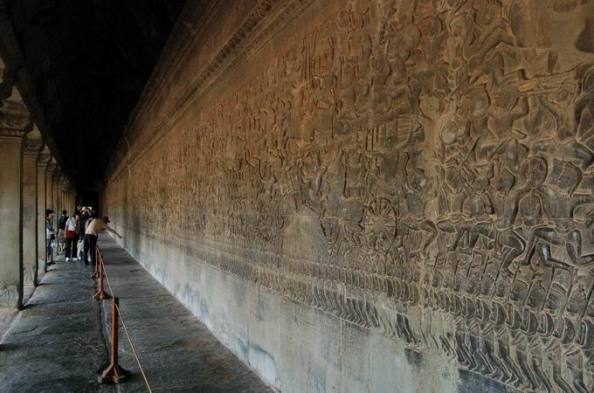 Kurukshetra Battle depicted in Angkor Wat Temple, Cambodia